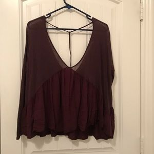 URBAN OUTFITTER Long sleeve plunge neck top